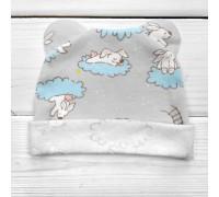Детская шапочка с ушками интерлок Зайки на облаках